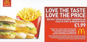 Mẫu tờ rơi quảng cáo đồ ăn nhanh được thiết kế với phong cách đơn giản hiện đại, làm nổi bật lên hình ảnh món ăn mà vẫn đầy đủ thông tin về sản phẩm nhưng lại không hề rối mắt